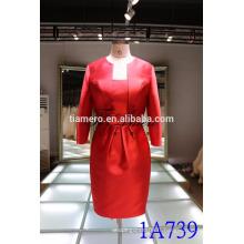 1A739 Robe rouge satinée en satin Longueur au genou Costumes pour femmes 2016 Nouvelle conception
