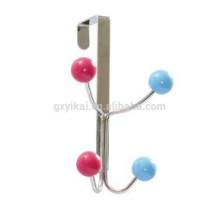 Metal sobre a porta pendurado ganchos com 4 ganchos e suspensão de madeira colorido bola