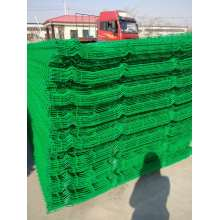 Security green three curvy welded mesh fence
