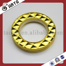 Anéis de cortina de ouro e ilhós