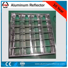 Fluorescent light reflector fixture