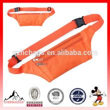 Bolsa de cintura delgada con múltiples bolsillos y cinturón ajustable