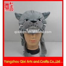 Melhor venda de cabeça de gato desgrenhado chapéu de pelúcia bordado cabeça animal de pelúcia com futebol
