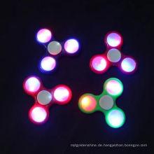 2017 LED-Blitzlicht Hand Spinner ABS LED Zappeln Spinner Finger Fringer spitze Gyro Spinner
