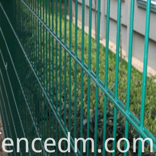 double horizontal wire mesh04
