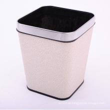 Estilo moderno de oro nubes patrón de basura de baño casero