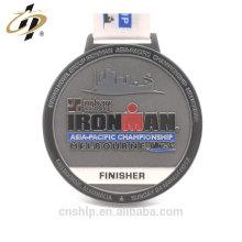 Personalice la medalla antigua del premio del terminador del metal de la aleación del cinc para el hombre del hierro