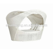 New design outdoor beach lounge PE rattan sun bed for poolside