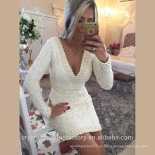 V-cuello de la manera del diseño rebordeó el mini vestido atractivo Backless atractivo del baile de fin de curso ata los vestidos de coctel blancos de la manga larga MC2566