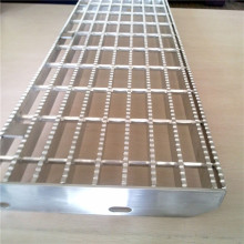 Serrated thép Bar Grating cầu thang Tread