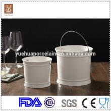 Weißer Porzellan-Mini-Champagner-Eiskübel mit Stahlgriff