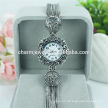 2016 Weinlese-Damen-Art- und Weise schöne Quarz-Armbanduhr für Frauen B018