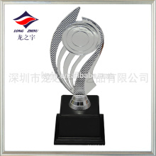 trophée de sport en plastique bon marché trophée irrégulier en gros par usine