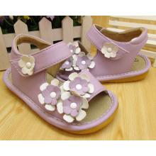 Púrpura Pequeñas Flores Squeaky Sandalias