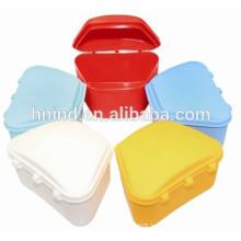 Boîte de retenue dentaire en plastique à denture colorée FDA