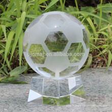 football en cristal pour des souvenirs ou un cadeau