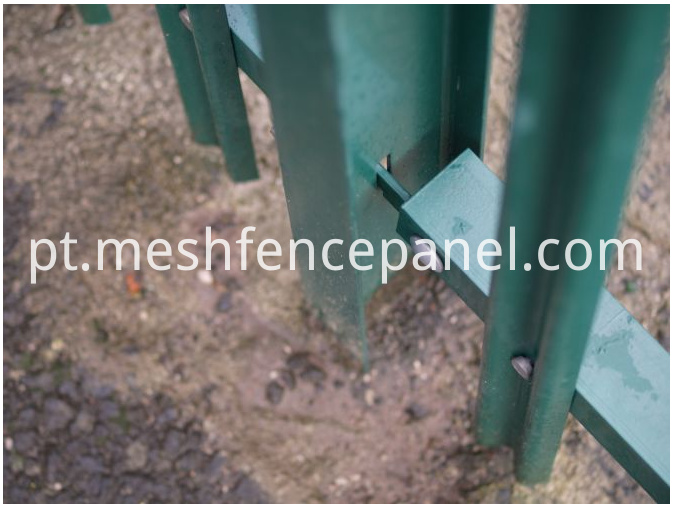 Plisade Fence fitting detail