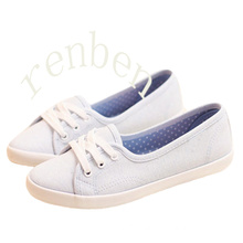 Hot Arriving Women′s Classic Canvas Shoes