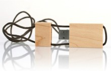 Penghantaran cepat berkualiti tinggi kayu USB Flash Drive dengan rantai kunci