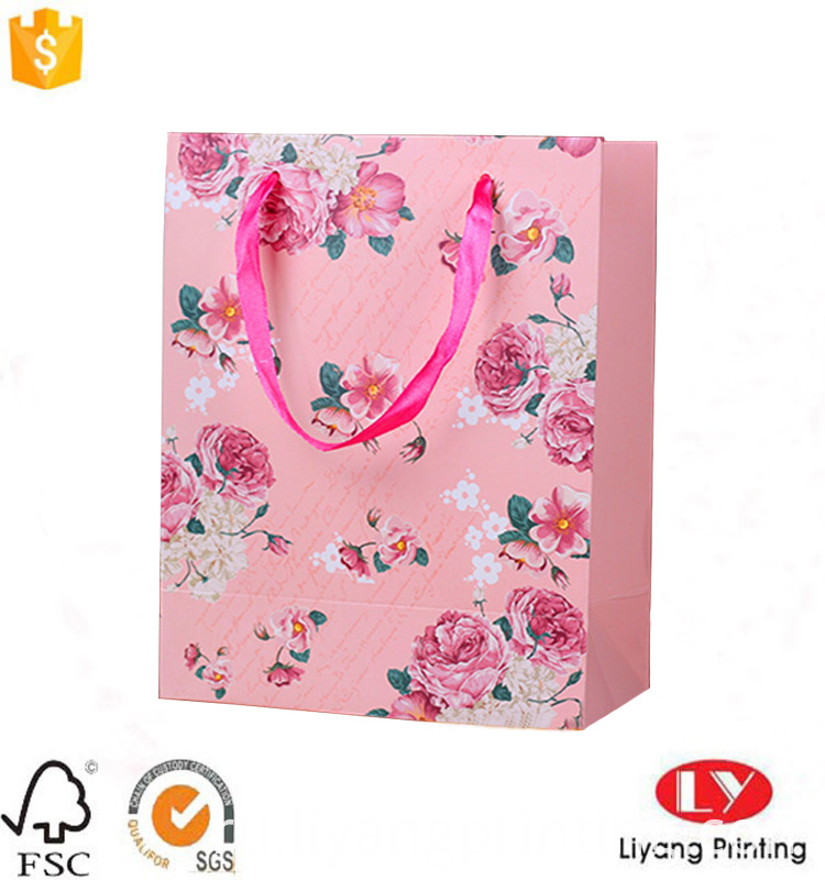 paper gift bag with handle