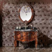 Armários de banheiro de madeira do projeto antigo com espelhos