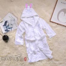 Kinderbademantel / Schlafanzug mit Kapuze, reinweißer Bademantel