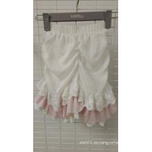 Pretty Ruffles and Lace Pantalones cortos para niños
