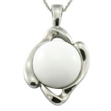 Les bijoux en polissage des bijoux en pierres blanches de femmes