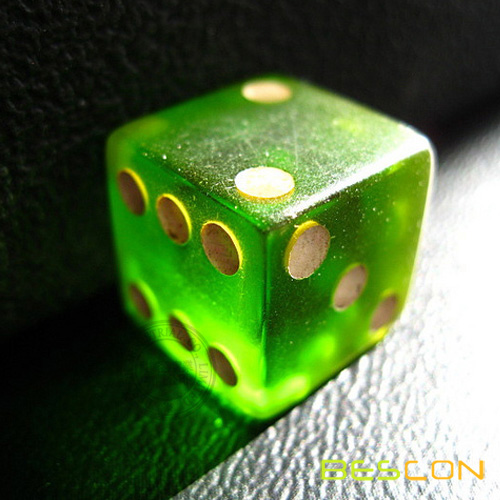 casino dice size