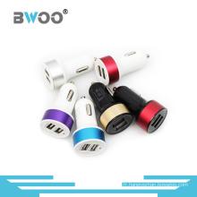 Chargeur de voiture USB en gros Port en métal coloré de haute qualité