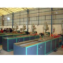 Ligne de production de profils bois-plastique