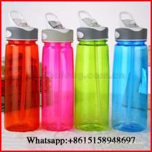 Tasse d'espace en plastique de couleur pure de bouteille d'eau de paille portative d'étudiant pour la publicité 750ml