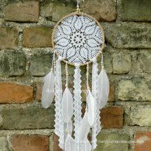 Main crochet crochet plume rêve catcher boho décoration de mariage
