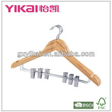 Красивая вешалка для одежды из бамбука с металлическими cilps для модной одежды