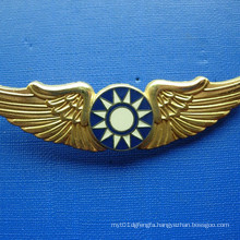 Irregular Gold Plate Badge with Plating Colorful Logo (GZHY-BADGE-022)