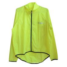 Neongelbes wasserdichtes Polyester-hohe Sicht-reflektierender Sicherheits-Regenmantel (YKY2809)