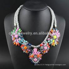 Collier de fleurs en gros bijoux à la mode avec acrylique SN-035