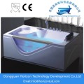 Freestanding whirlpool tub with jet