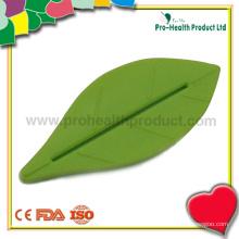 Leaf Shaped Design Plastic Toothpaste Dispenser Squeezer(pH09-005)