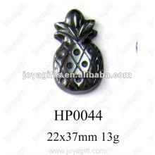 Pendentifs à l'hématite et à l'ananas