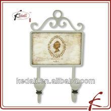 Cintre de décoration en métal