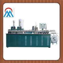 3-Achsen-CNC-Bürsten Tufting-Maschine zur Herstellung von Federbürste, Streifenbürste, Aufzug Bürste, Türbürste
