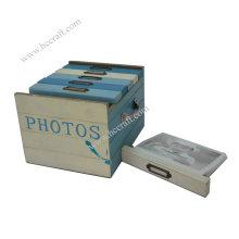 Álbum de fotos de madera clásico para el regalo