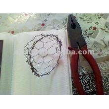 cage de poisson (maille hexagonale ou maillon de chaîne)