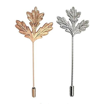 Maple Leaf Brooch Pin dengan Charms Electroplate