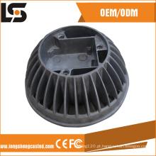 A liga de alumínio morre carcaça para o alojamento da lâmpada do diodo emissor de luz do dissipador de calor