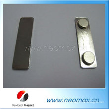 Porta-crachá magnético decorativo