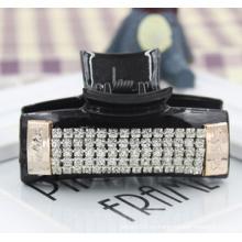 Garra de diamantes de piedra de resina negra de alta calidad (XHJ14318)