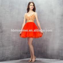 2017 nuevos vestidos de noche del diseño corto del vestido de noche de tul v cuello sin respaldo rojo vestidos de dama de honor con encaje de oro