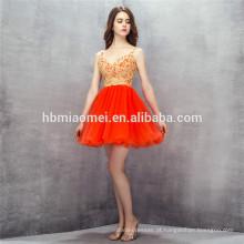 2017 Nova moda design curto vestido de noite tule v neck backless vestidos de dama de honra com laço de ouro vermelho